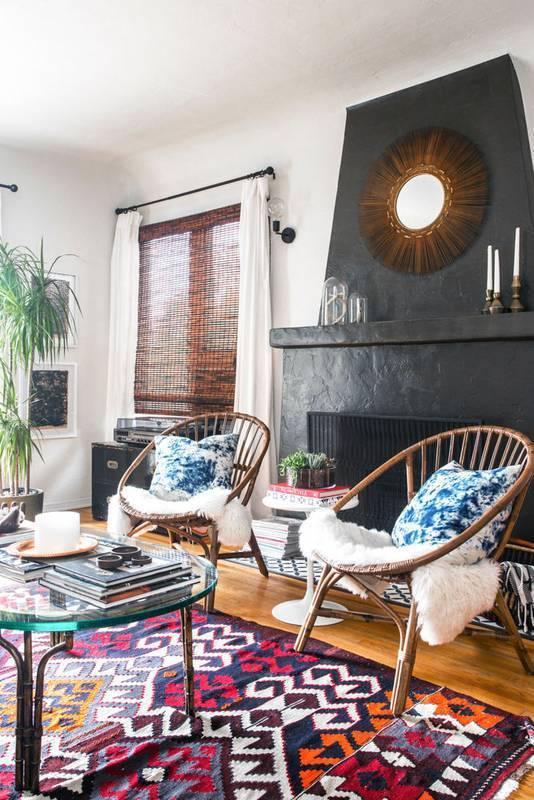 Hey Apartment-Dwellers: Here's How To Make A Rental Living Room Feel Like Home